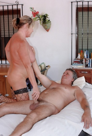 Amateur Mature Wife Vacation