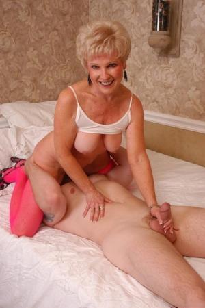 Granny Facesitting